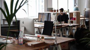 Kenntnisse und Erfahrungen für Bürojobs.